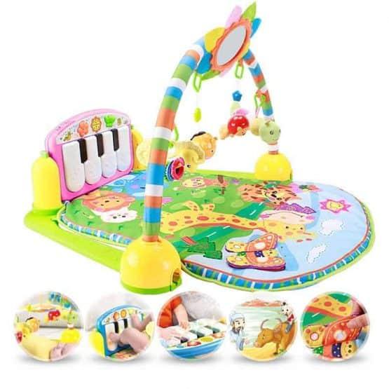 saltea de joaca bebe cu centru activitati pian kick and play3