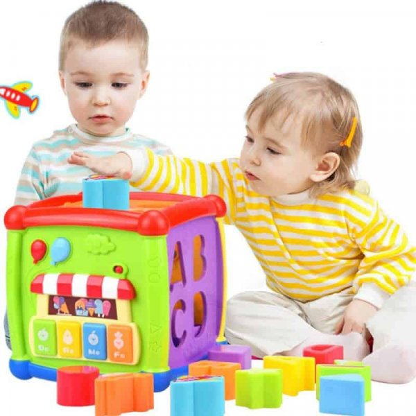 cub de joaca bebe