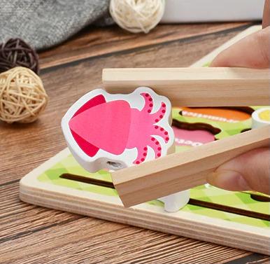 joc montessori gratar cu frigarui din lemn 5