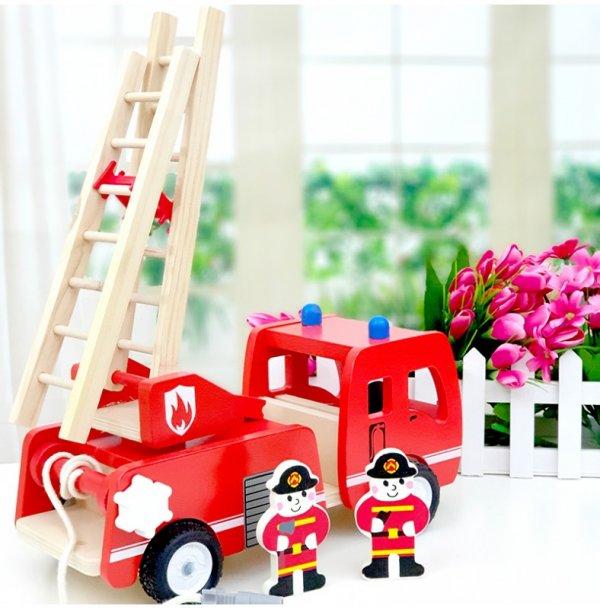 masinuta de pompieri din lemn 1