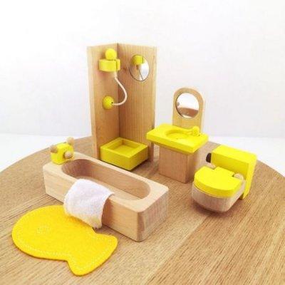 mobilier de jucarie din lemn baie