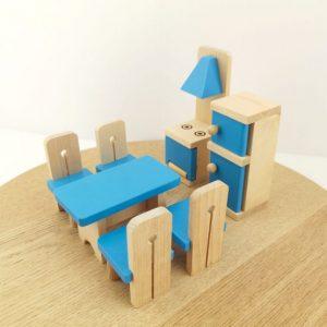 mobilier de jucarie din lemn