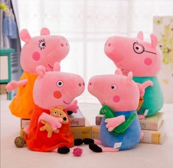 set 4 jucarii din plus familia peppa 11