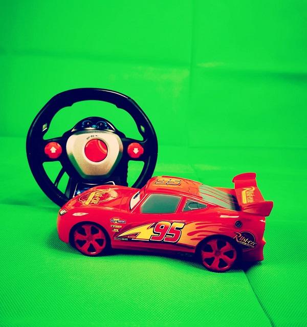 masinuta cu telecomanda tip volan cars 6