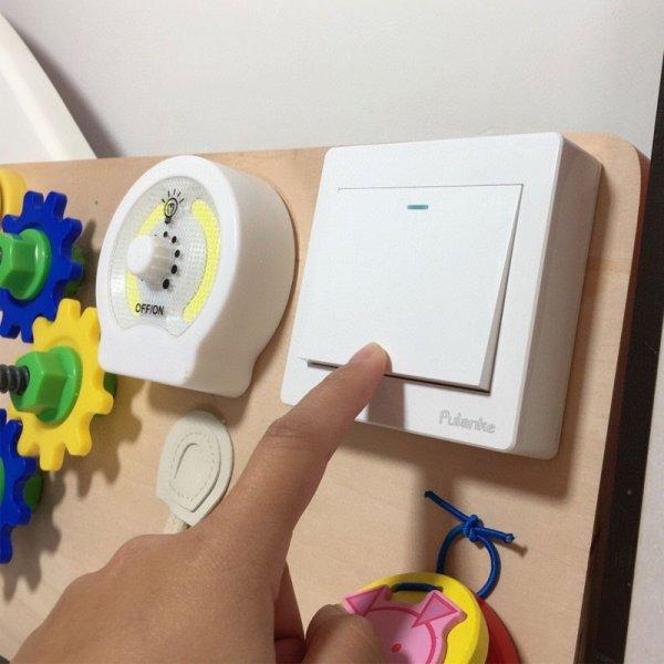 placa senzoriala din lemn cu activitati montessori 2